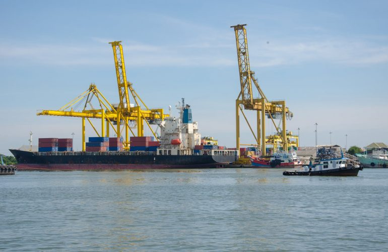 Port of Rotterdam tests blockchain to link container logistics and payments